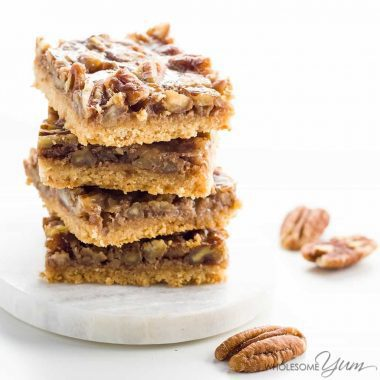 Paleo Pecan Pie Bars (Low Carb, Gluten-free) - These healthy pecan pie bars are gooey and crunchy at the same time. Paleo, low carb, gluten-free, and super easy to make. Detail: paleo-pecan-pie-bars-low-carb-gluten-free-4
