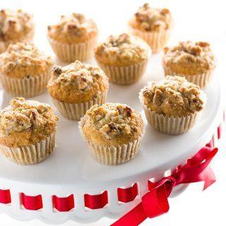 Low Carb Muffins with Vanilla Bean & Walnuts (Paleo, Gluten-free) - These paleo, low carb muffins are studded with vanilla bean specks and topped with walnut streusel. So quick and easy to make!