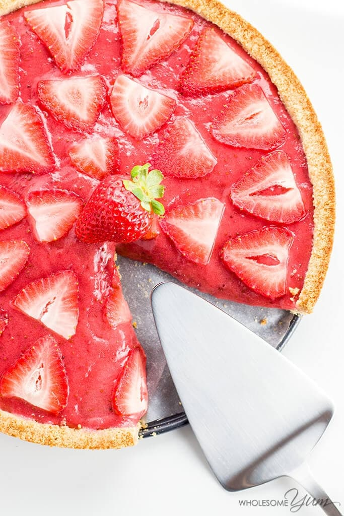 Easy Strawberry Tart (Paleo, Low Carb) - This easy strawberry tart recipe has only 5 ingredients! Made with fresh strawberries, it's also paleo, sugar-free, gluten-free, and low carb.