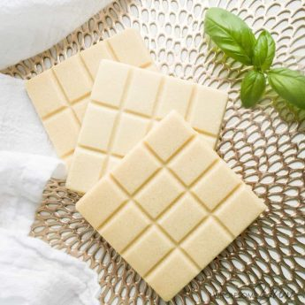 How To Make Sugar-Free White Chocolate (Low Carb, Gluten-Free) - Learn to make homemade white chocolate bars with just 3 easy steps and 5 ingredients! Can be sugar-free and low carb if desired. Detail: sugar-free-white-chocolate-bars-low-carb-gluten-free