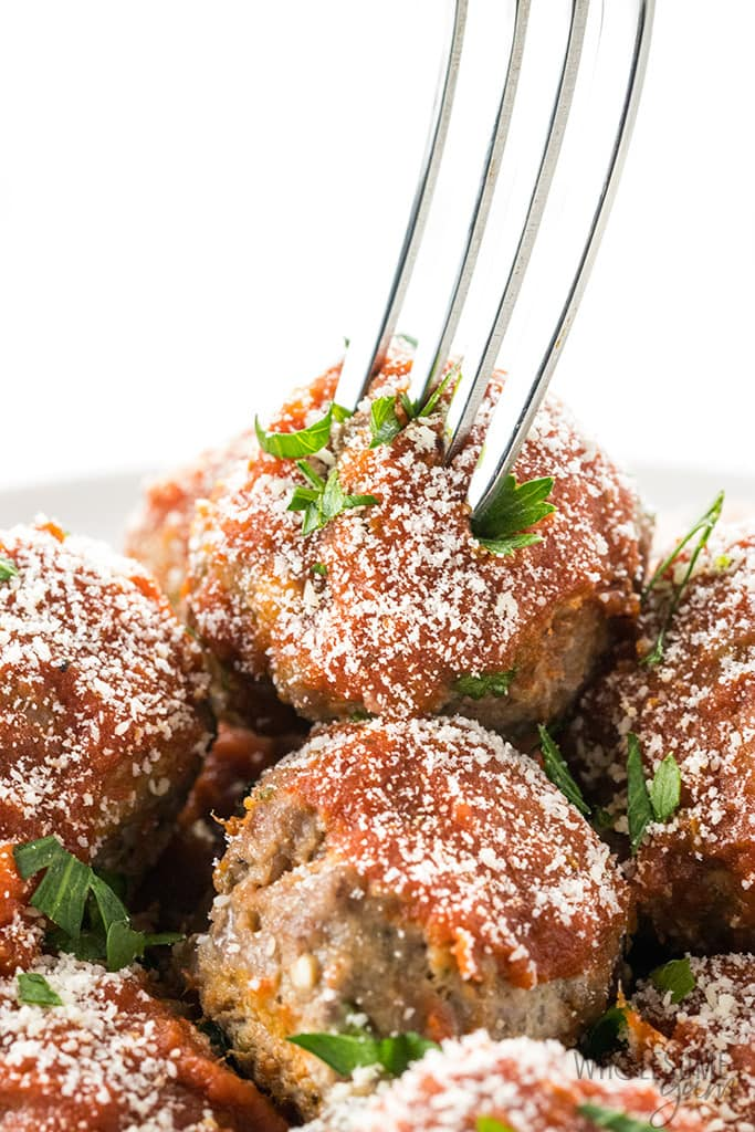 Easy Keto Low Carb Meatballs Recipe - Italian Style - If you're looking for an easy low carb meatballs recipe, Italian style, this is it! These keto meatballs take just 30 minutes to make, and are perfect for low carb dinners and appetizers alike.