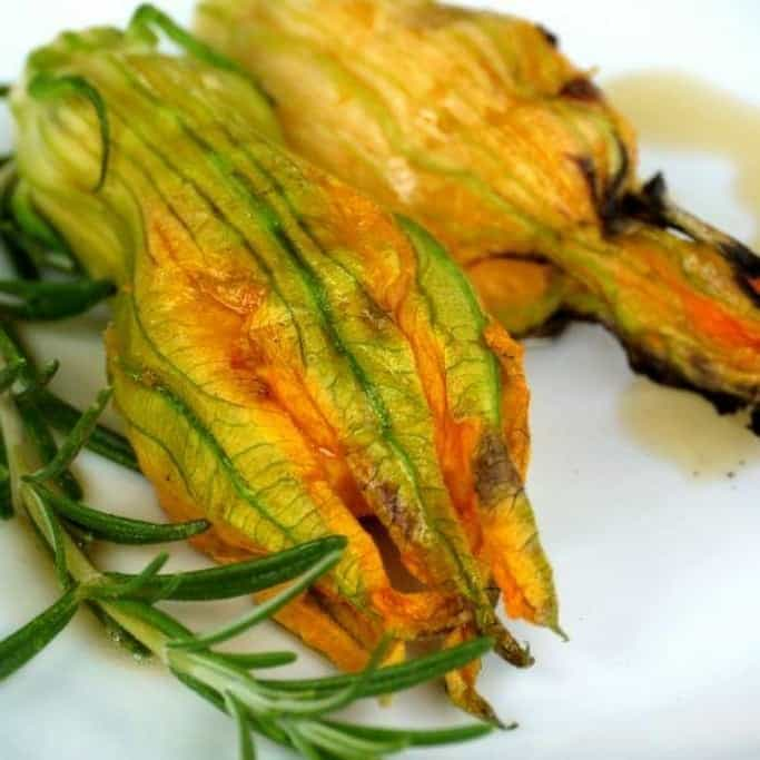 Grilled stuffed courgette flowers