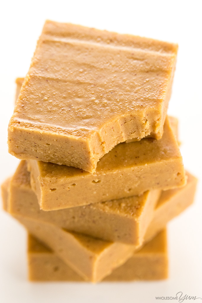 Sugar-Free Keto Low Carb Peanut Butter Fudge Recipe - This sugar-free keto low carb peanut butter fudge recipe is easy to make with just 4 ingredients. Gluten-free, with a dairy-free option. So rich & creamy!