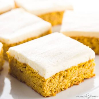 Low Carb Healthy Pumpkin Bars with Cream Cheese Frosting - This easy pumpkin bars recipe with canned pumpkin & cream cheese frosting is gluten-free & low carb, with healthy, natural ingredients. Just 10 min prep! Detail: healthy-pumpkin-bars-with-cream-cheese-frosting-img-7458