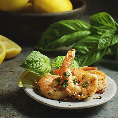 Delicious Easy Low Carb Meals - Recipes & Meal Ideas - Easy Garlic Basil Shrimp