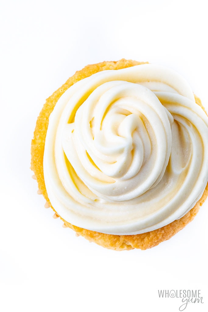 How to pipe cream cheese frosting