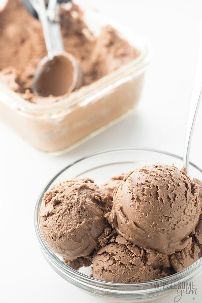 Chocolate Peanut Butter Nice Cream Recipe - Learn how to make nice cream without bananas or an ice cream maker! This delicious chocolate peanut butter nice cream recipe is sugar-free, low carb, keto and vegan. Just 5 ingredients and 5 minutes prep time!