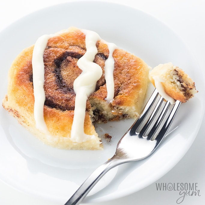Fathead Keto Cinnamon Rolls Recipe - Quick & Easy - Everyone loves these keto cinnamon rolls! Only 40 minutes to make, with simple ingredients (no special flour!), and they're totally delicious. For an amazing low carb dessert or keto breakfast, try this fathead cinnamon rolls recipe.