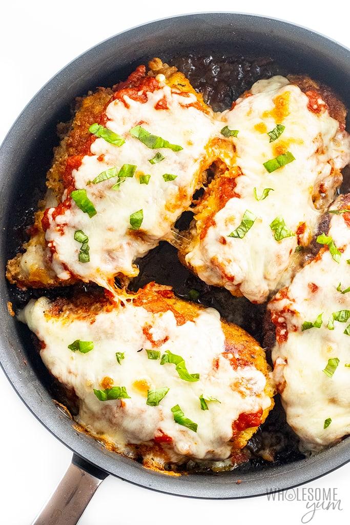 https://www.wholesomeyum.com/wp-content/uploads/2018/05/wholesomeyum-low-carb-keto-chicken-parmesan-recipe-14.jpg