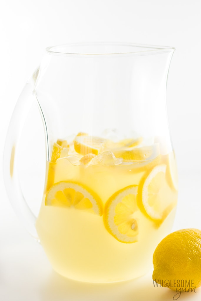 Healthy Sugar-Free Lemonade Recipe - 3 Ingredients - The easiest sugar-free lemonade recipe ever! All you need is 3 simple, natural ingredients and 5 minutes, and you've got delicious healthy lemonade without sugar.