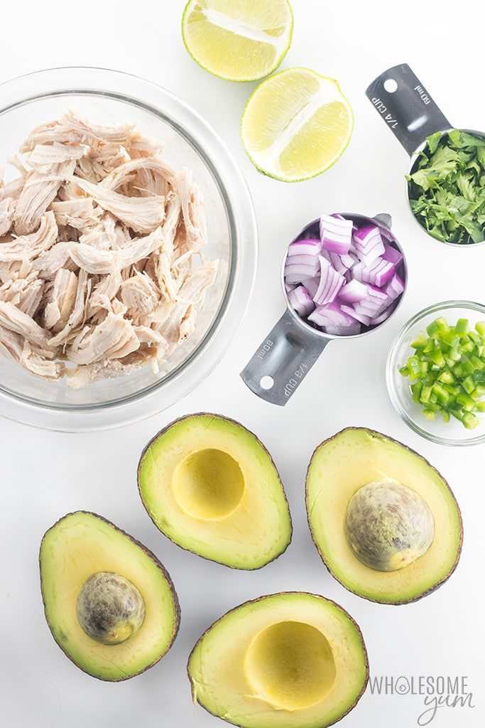 Paleo Whole30 Chicken Salad with Avocado Recipe - An easy paleo whole30 chicken salad recipe with avocado - only 5 ingredients! Plus, simple ideas for serving chicken avocado salad with lime and cilantro.