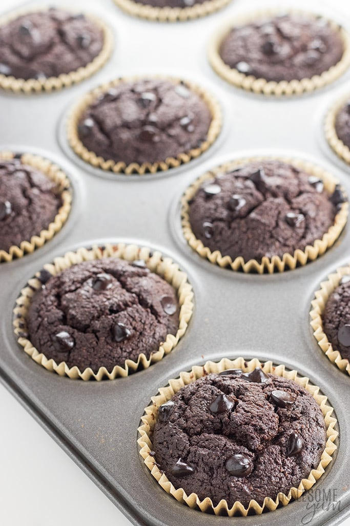 Low Carb Double Chocolate Protein Muffins Recipe - These low carb double chocolate protein muffins are easy to make, moist & delicious. This healthy protein muffin recipe needs just 10 minutes prep time!