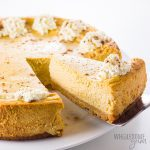 Easy Low Carb Keto Pumpkin Cheesecake Recipe - An unbelievably smooth, decant keto pumpkin cheesecake! This easy low carb pumpkin cheesecake recipe just might become your favorite low carb pumpkin dessert ever.