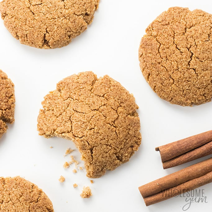 Low Carb Gluten-Free Ginger Snaps Cookies Recipe - This gluten-free ginger snaps recipe tastes like the real thing! You only need 6 ingredients and one bowl to make these easy low carb ginger snaps cookies.