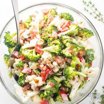 Low Carb Broccoli Cauliflower Salad with Bacon and Mayo - Low carb broccoli cauliflower salad takes just 10 minutes! This easy broccoli and cauliflower salad recipe is super simple, colorful, and great for any occasion.