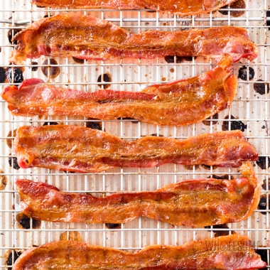 How to cook bacon in the oven - pieces on a pan