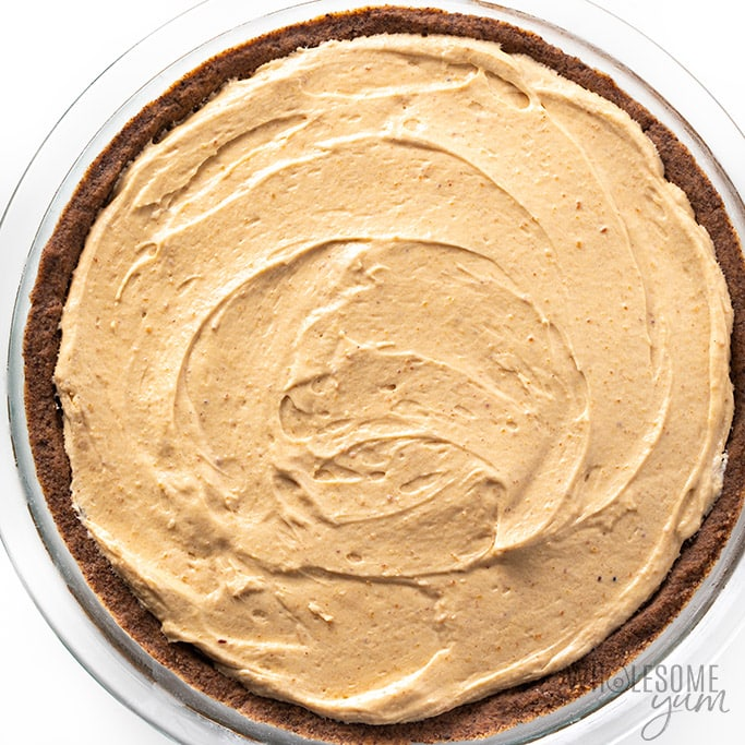 sugar-free peanut butter pie in crust