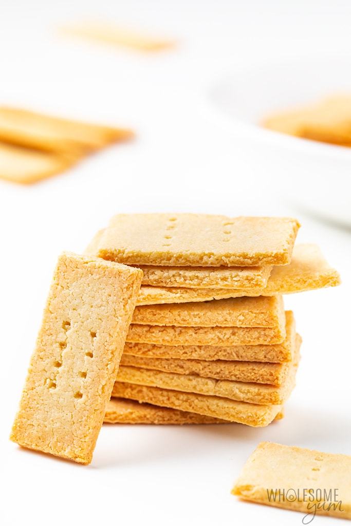 How to make crackers with almond flour