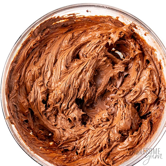 finished low carb frosting in a bowl