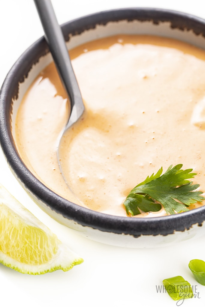 bowl of spicy mayo sauce