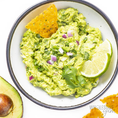 The Best Homemade Guacamole Recipe (Chipotle Copycat)