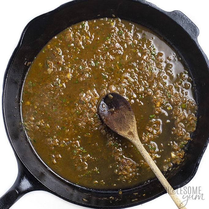 Sauce for pan fry chicken in a skillet
